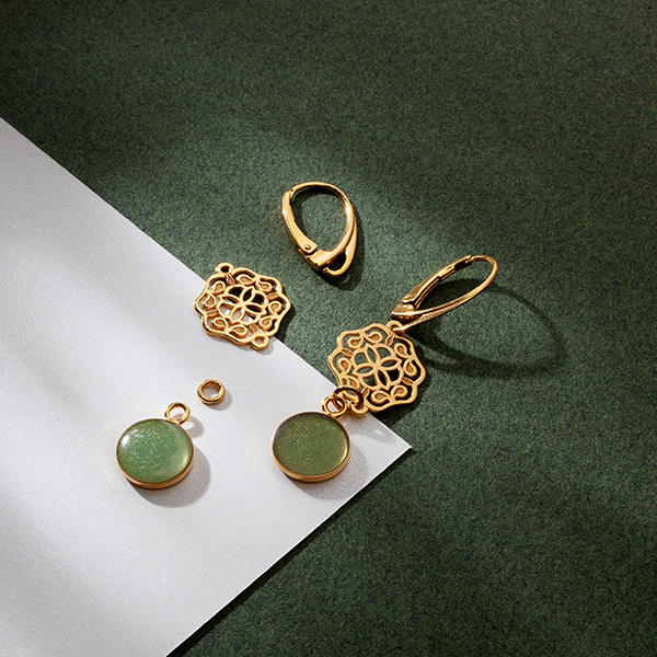 JEWELLERY WITH ROSETTE